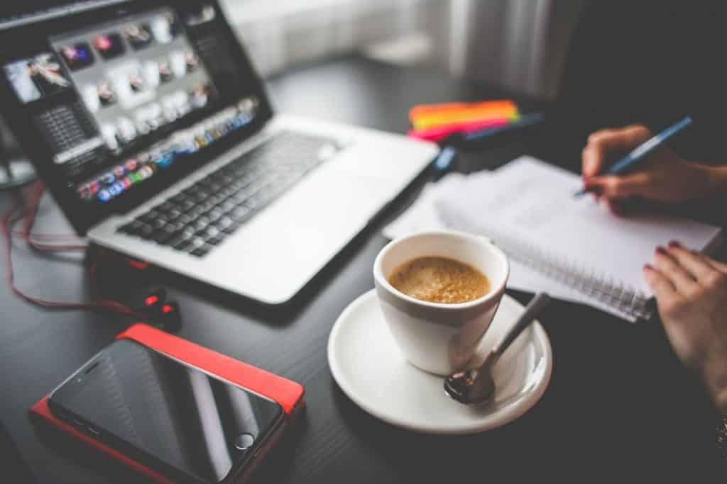 5 mitai apie darba iš namų
